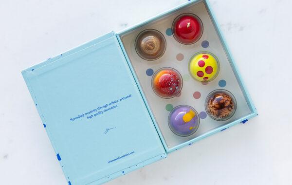 Blue Colour Dots 6 Bonbons